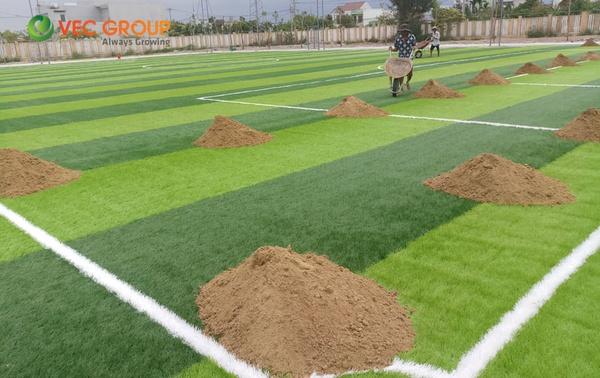 Sân bóng trường học Võ Chí Công